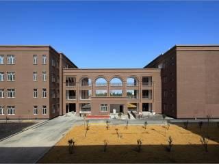 新疆阿克苏高级中学